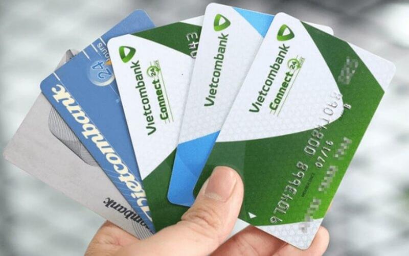 Vietcombank liên kết với tổ chức Visa để phát hành thẻ Visa Vietcombank.