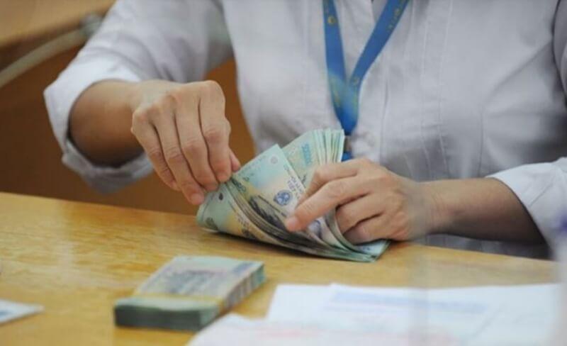 Bạn nên suy nghĩ kỹ trước khi vay tiền ngân hàng