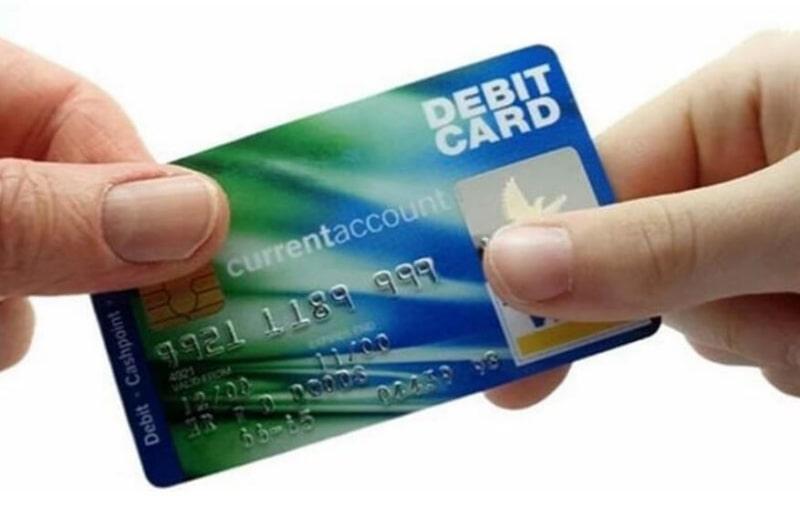 Điều kiện và thủ tục phát hành thẻ ghi nợ vô cùng đơn giản