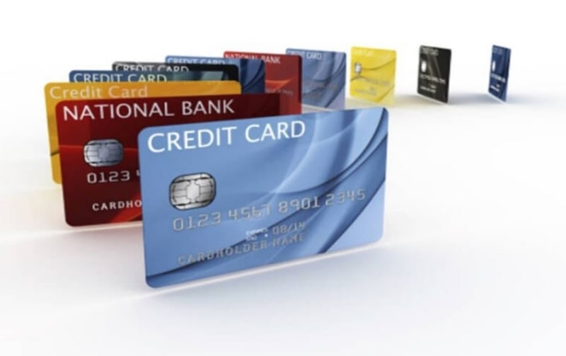 Sử dụng thẻ ghi nợ giúp bạn kiểm soát mức chi tiêu hợp lý