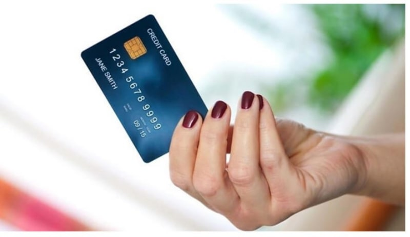Thẻ tín dụng có nhiều lợi ích trong việc phục vụ nhu cầu cá nhân