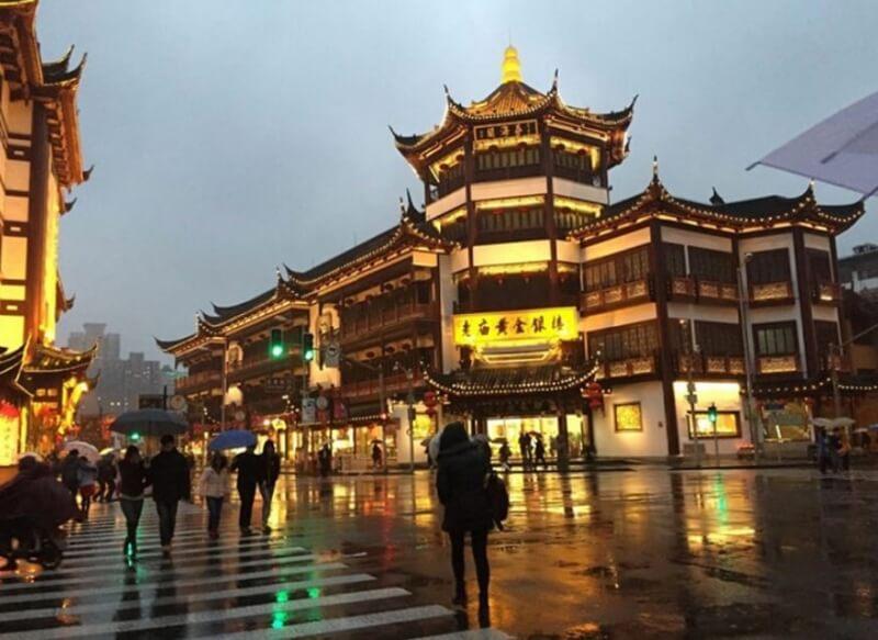 Các nhà hàng tại Trung Quốc không chấp nhận thanh toán tiền Việt